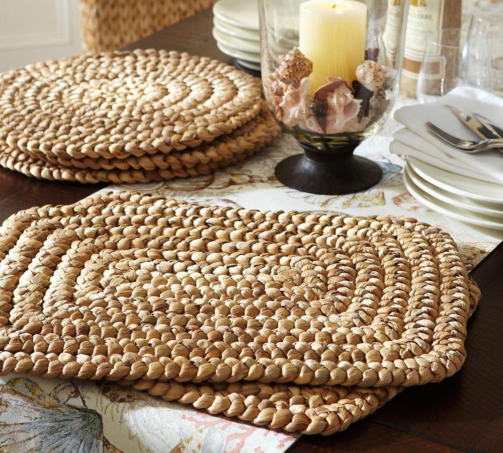 Water Hyacinth Place Mat