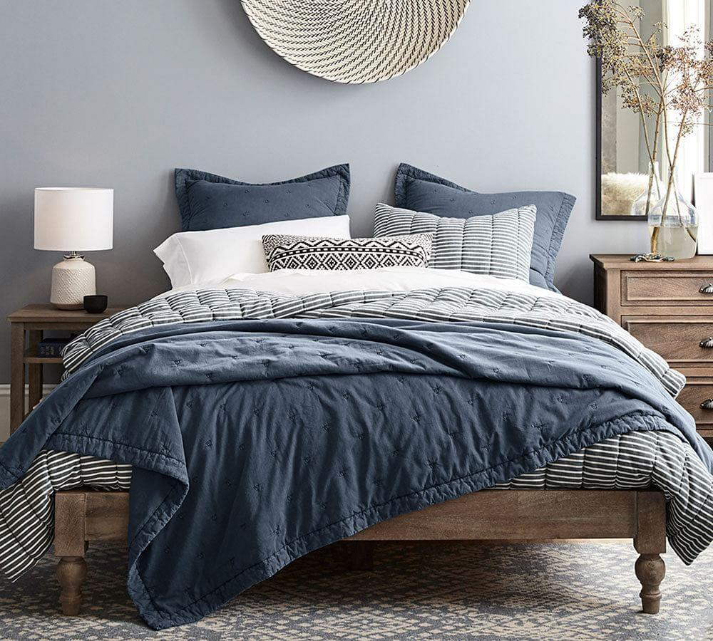Astoria Turned Leg Platform Bed Pottery Barn Au