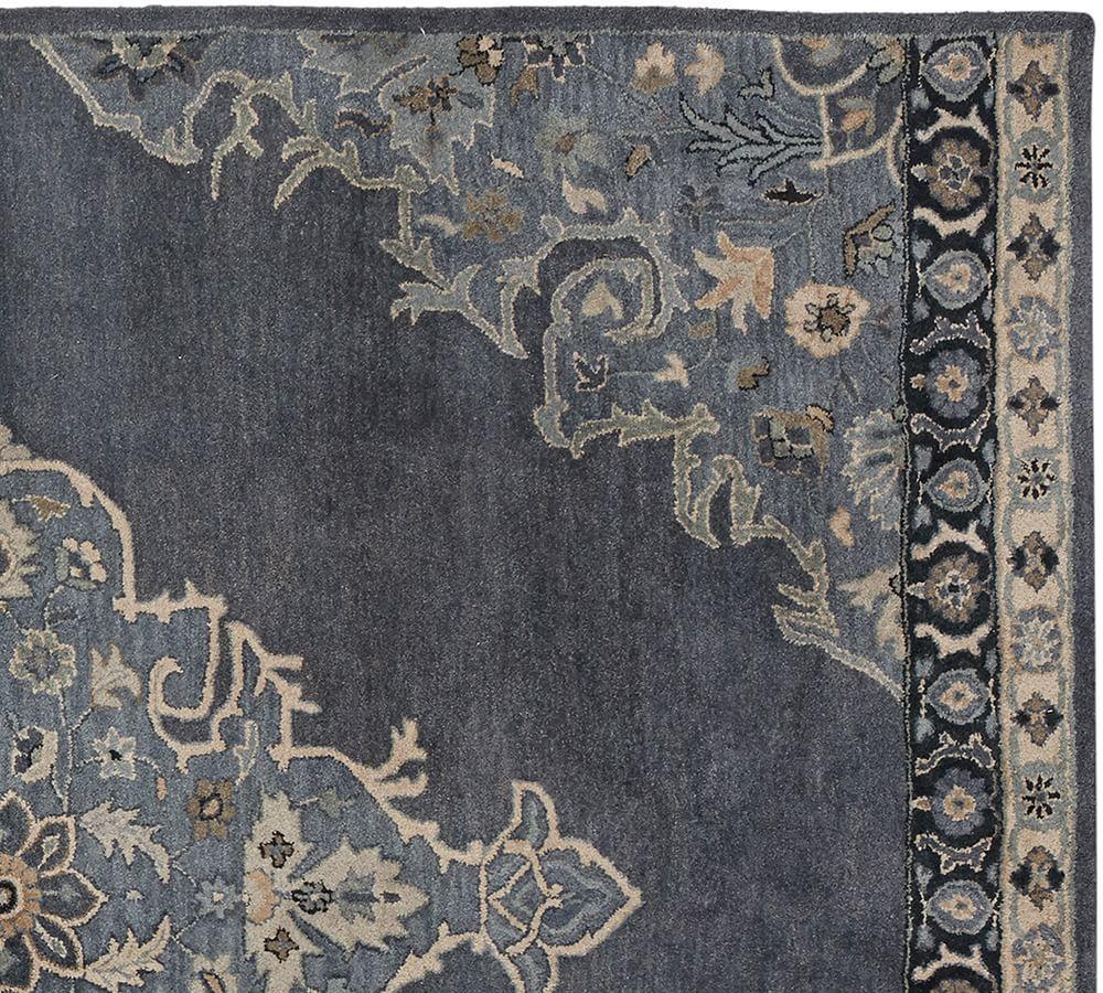 Bryson Persian-Style Rug - Navy