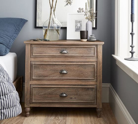 Astoria Turned Leg Dresser