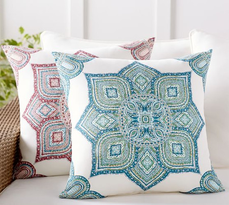 Indoor & Outdoor Wilder Medallion Cushion