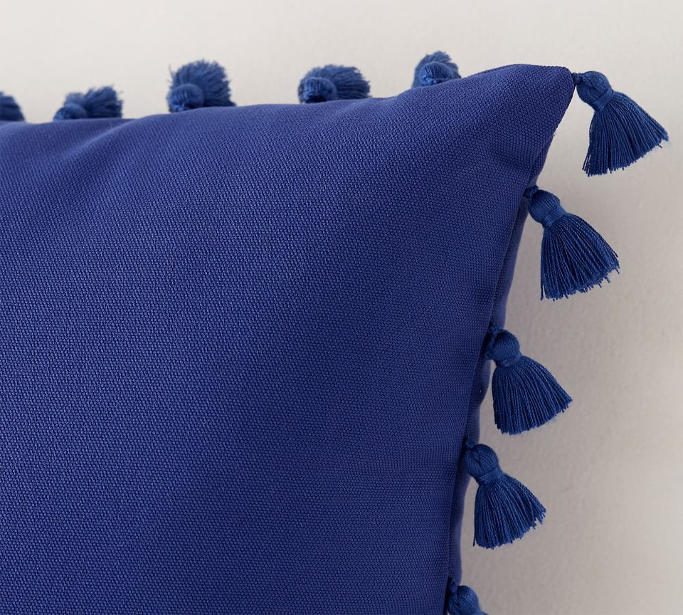 Indoor/Outdoor Tassel Trim Cushion