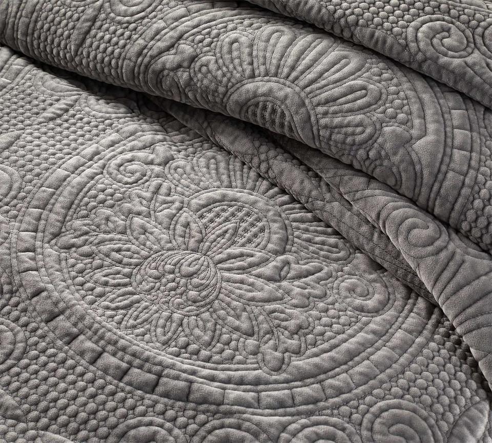 Velvet Medallion Coverlet Amp Pillowcases Pottery Barn
