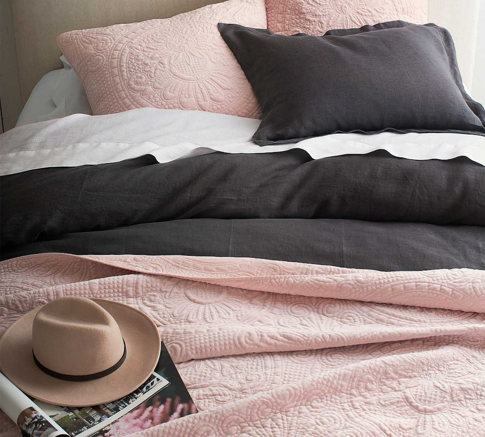 Velvet Medallion Coverlet & Pillowcases - Midnight